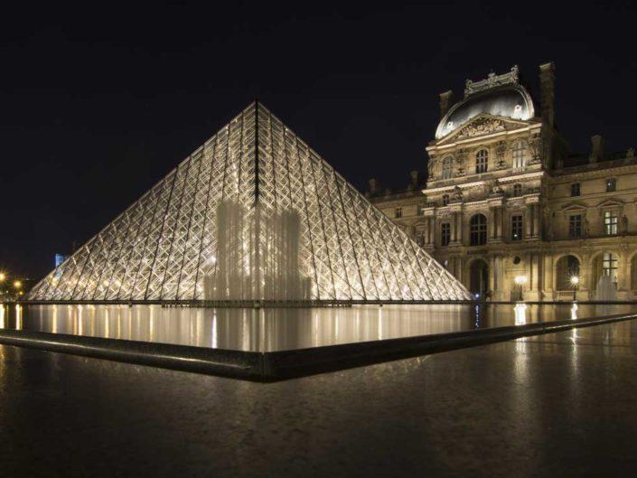 Photographie nocturne Pyramides du Louvre