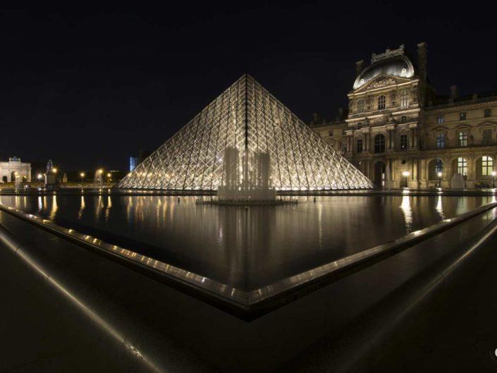 Photo géométrie Pyramides du Louvre